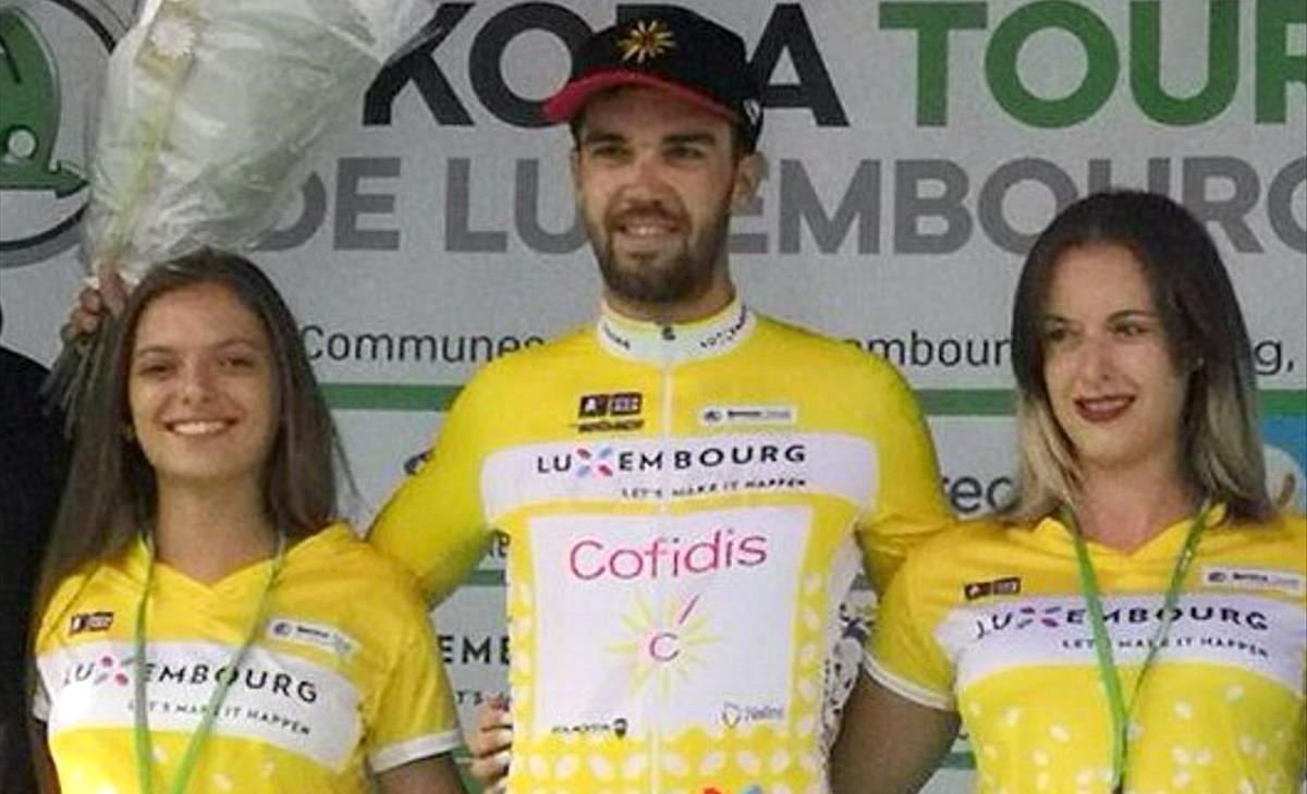 Jesús Herrada, en el podio del Tour de Luxemburgo.