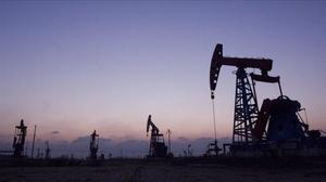 Un pozo petrolífero en una imagen de archivo.