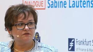 La alemana Sabine Lautenschläger dimite del comité ejecutivo del BCE