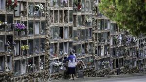 El cementerio de Montjuïc, durante un día de Todos los Santos.