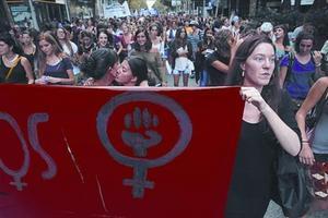 Marcha de mujeres por el aborto libre y gratuito en Barcelona, en el 2013