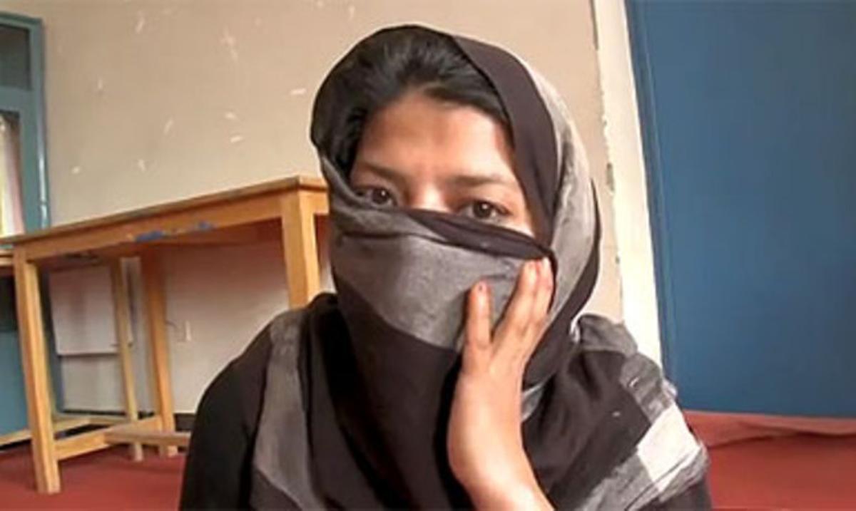 Gulnaz, la joven violada y obligada a casarse con su agresor.