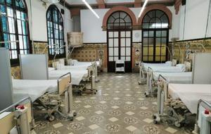 La antigua escuela de enfermería del Hospital de Sant Pau, preparada para recibir pacientes con covid-19.