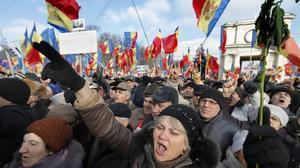 Manifestastesen la concentracióncontra el presidente moldavo y a favor de la celebración de nuevas elecciones.