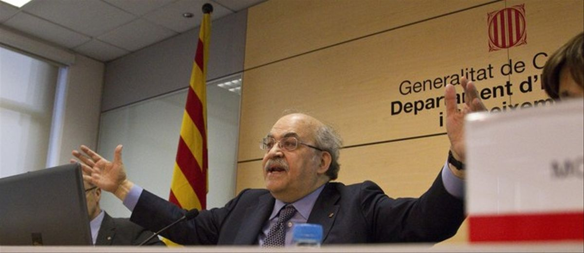 El 'conseller' d'Economia, Andreu Mas-Colelle, ayer, en la presentación de los balances fiscales de la Generalitat.