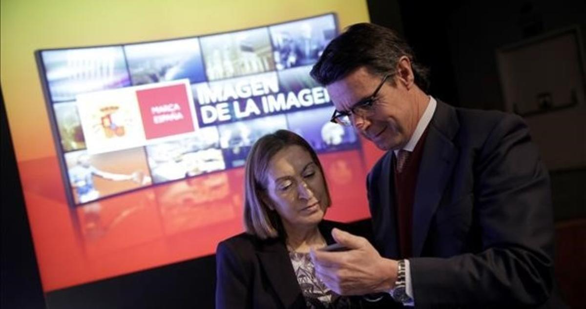 Ana Pastor, ministra de Fomento, y José Manuel Soria, de Industria y Turismo, el pasado 16 de febrero durante la presentación de la nueva campaña de Marca España.