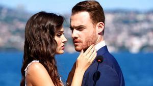 Telecinco se hunde con el estreno de 'Love is in the air': Vicente Vallés hace el triple en 'El hormiguero'