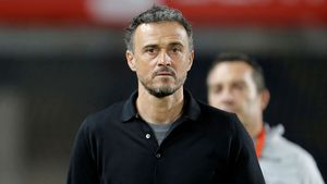 Rubiales anuncia la tornada de Luis Enrique i carrega contra Robert Moreno