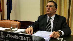 Jaume Alonso Cuevillas, el abogado de Puigdemont, en el Congreso para asesorar sobre indultos.