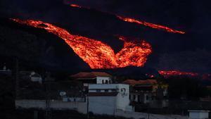 La lava del volcán de La Palma, vista desde Tajuya.