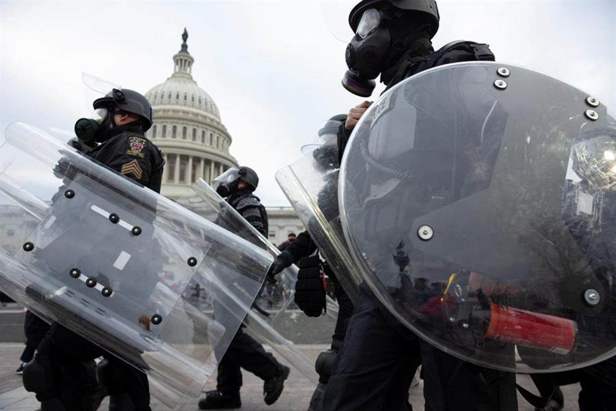 L'assalt al Capitoli torna el focus a la infiltració ultra entre policies i exèrcit
