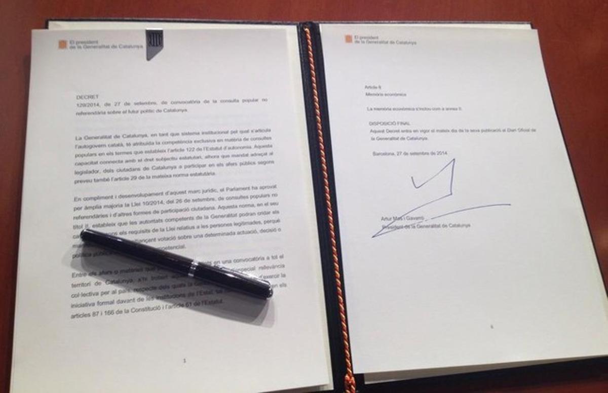El decreto de convocatoria de la consulta, firmado por Artur Mas este sábado.