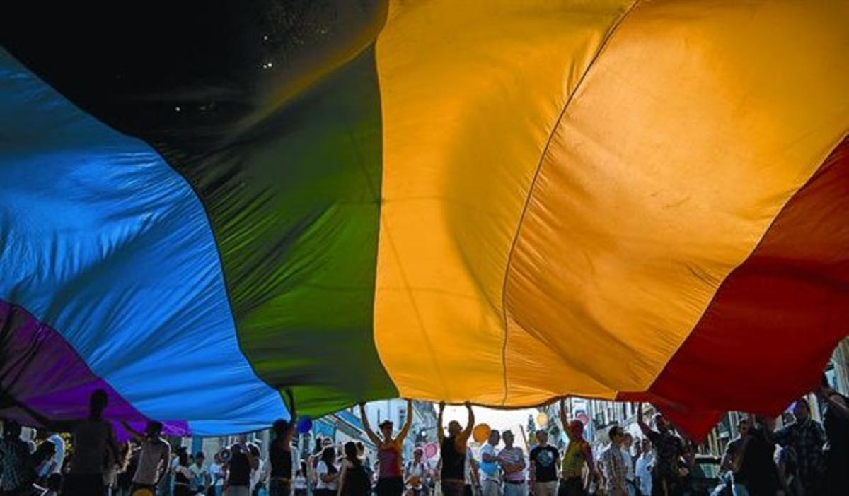 Fiesta multitudinaria y reivindicaciones con motivo de los actos del Orgullo Gay.