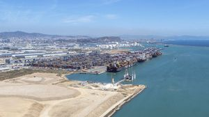 Vista aérea del puerto de Barcelona, el 12 de mayo.