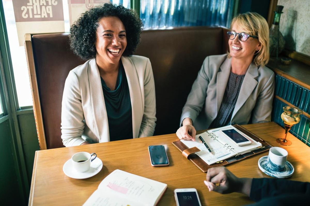 Las empresas generarían 1.200 millones de euros más si contribuyen a que las mujeres no dejen su empleo