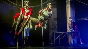 Una obra circense en la edición del 2017 del Circ d'Hivern del Ateneu de Nou Barris