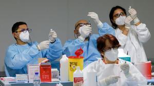 Baleares detecta médicos que prescriben qué vacunas contra el covid deben ponerse sus pacientes