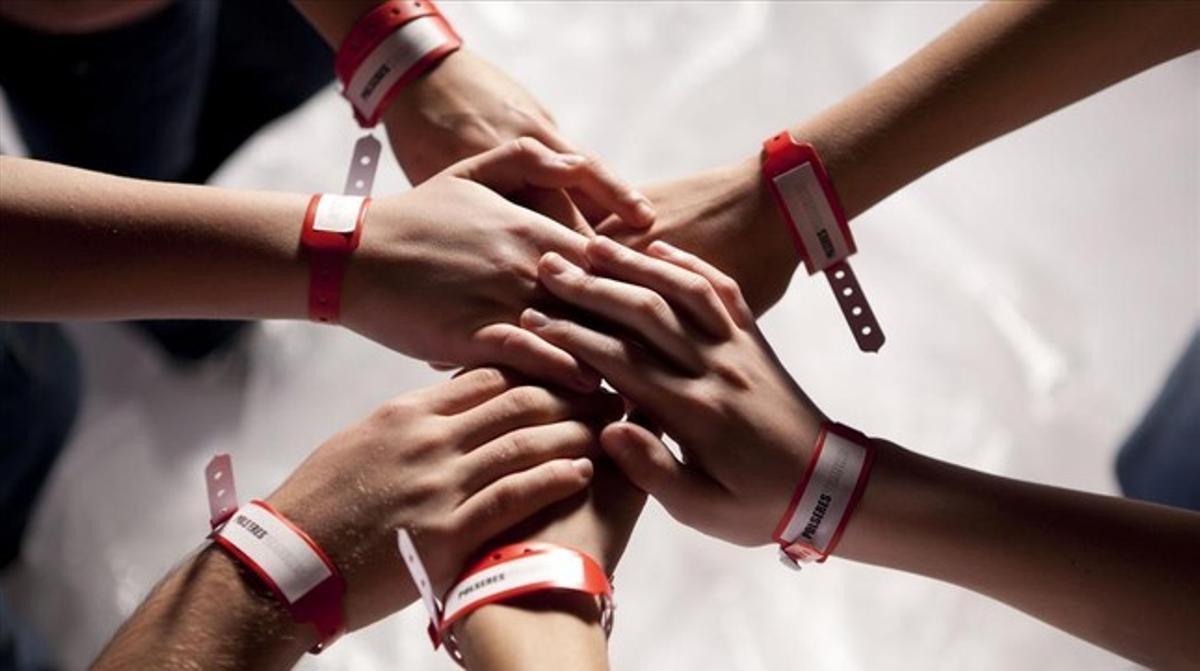 Una imagen de la serie de TVC 'Polseres vermelles'.