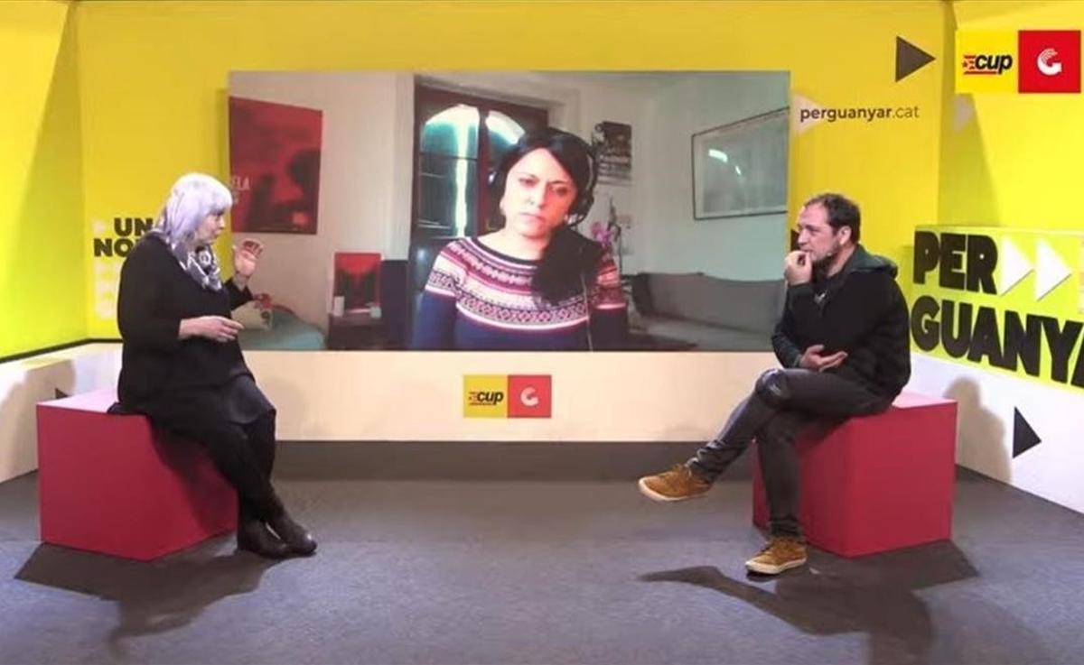 La exdiputada de la CUP Anna Gabriel junto a David Fernández y la candidata de la CUP a las elecciones del 14-F, Dolors Sabater.