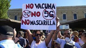 Una manifestación negacionistaen Madrid.