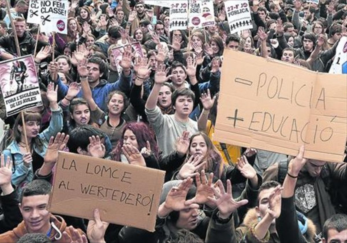 Manifestación de estudiantes de bachillerato en Barcelona contra la LOMCE, en febrero del 2014.