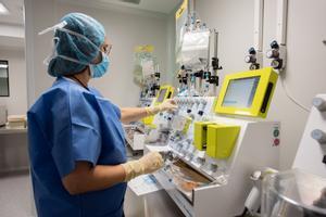 España aprueba la primera inmunoterapia pública del mundo contra la leucemia.