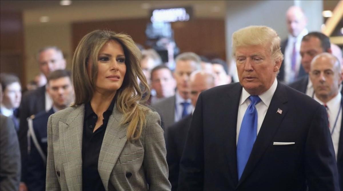 Melania Trump, en la Asamblea General de las Naciones Unidas en Nueva York , con un 'blazer' príncipe de Gales.