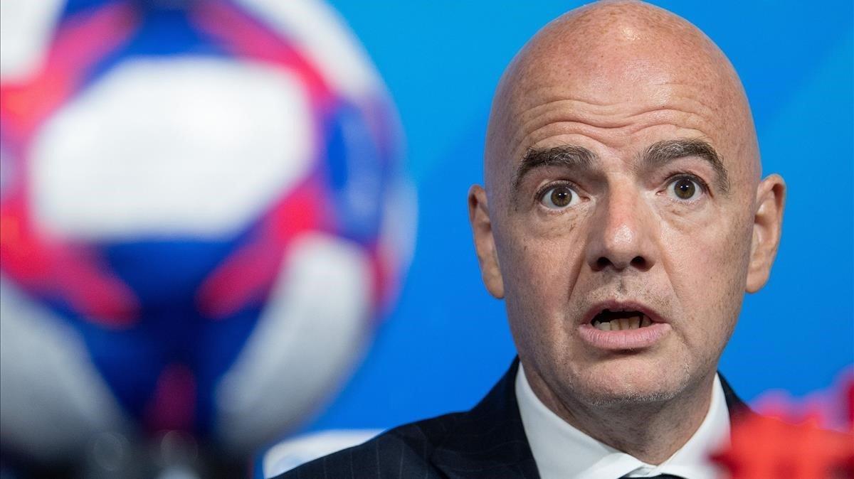 Infantino, el presidente de la FIFA, en una comparecencia de prensa en Lyón.
