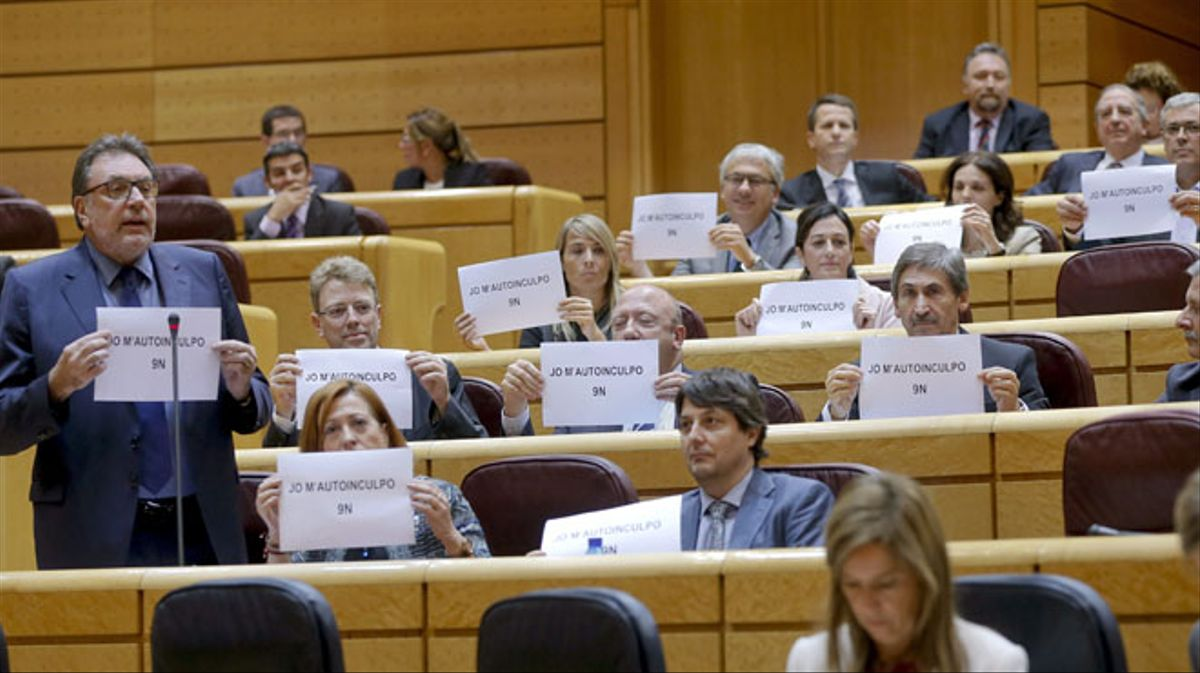 Los senadores de CiU se autoinculpan por el 9-N ante Rajoy.