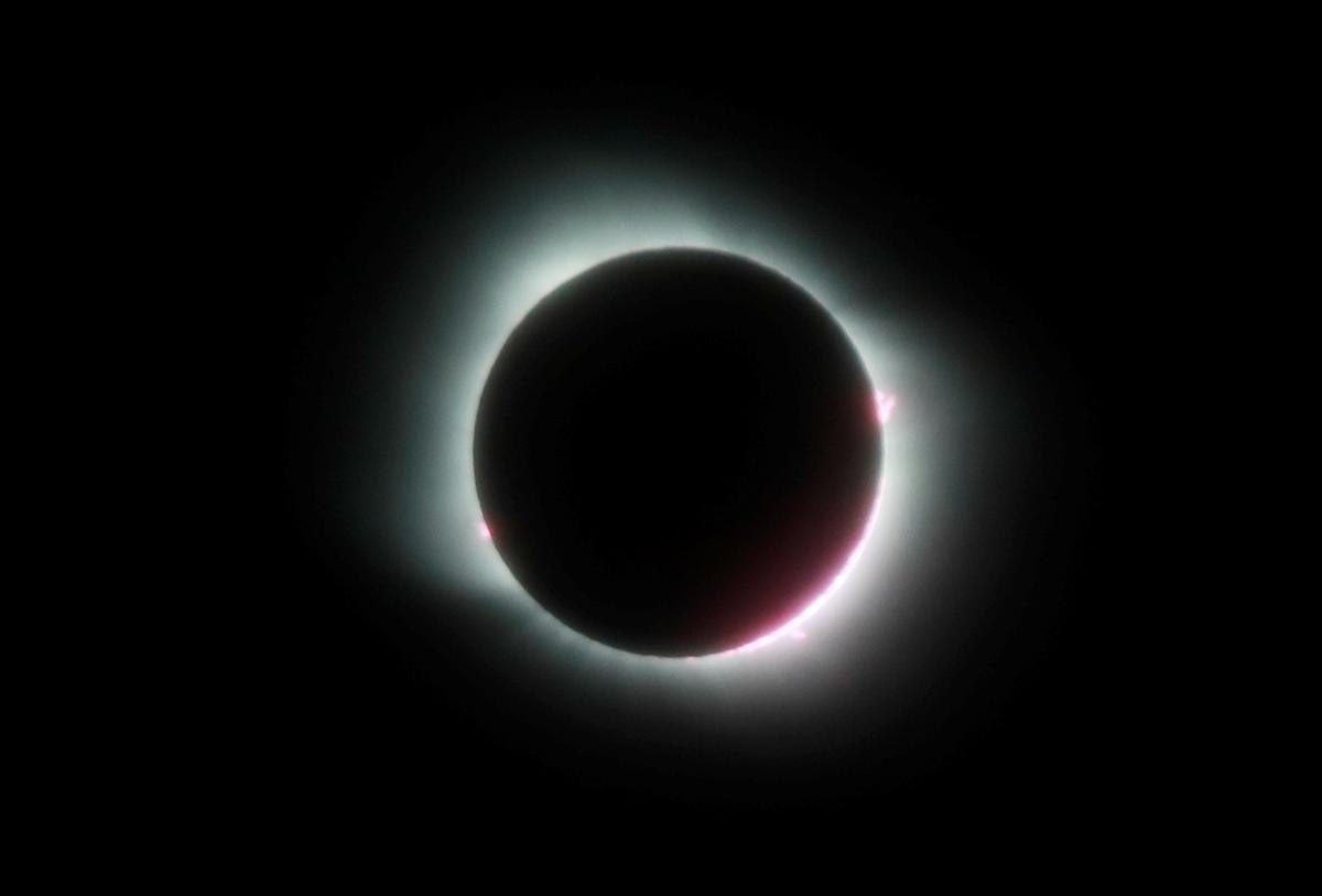 Así ha sido el eclipse solar 2020: imágenes del fenómeno astrónomico