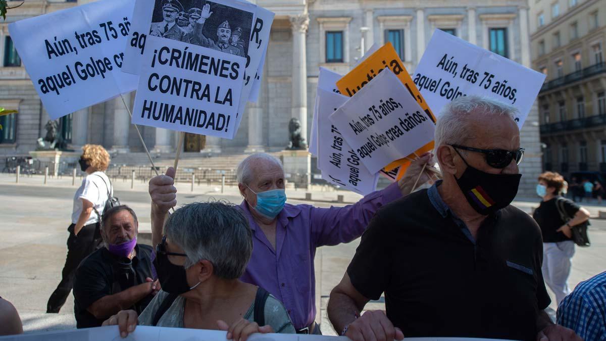Víctimes del franquisme exigeixen una condemna de l'Estat
