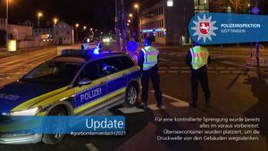 Agentes de la policía de Gotinga, en una de las zonas cortadas al tráfico.