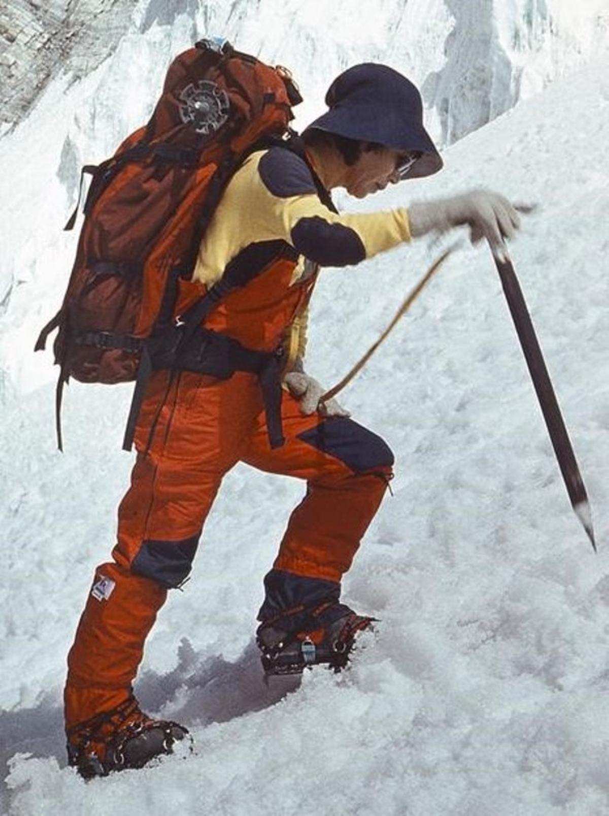 Junko Tabei, durante una ascensión.