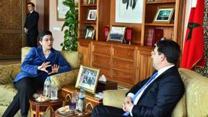 La ministra de Exteriores, Arancha González Laya, con su homólogo marroquí, Nasser Burita, el 24 de enero de 2020, en Rabat.