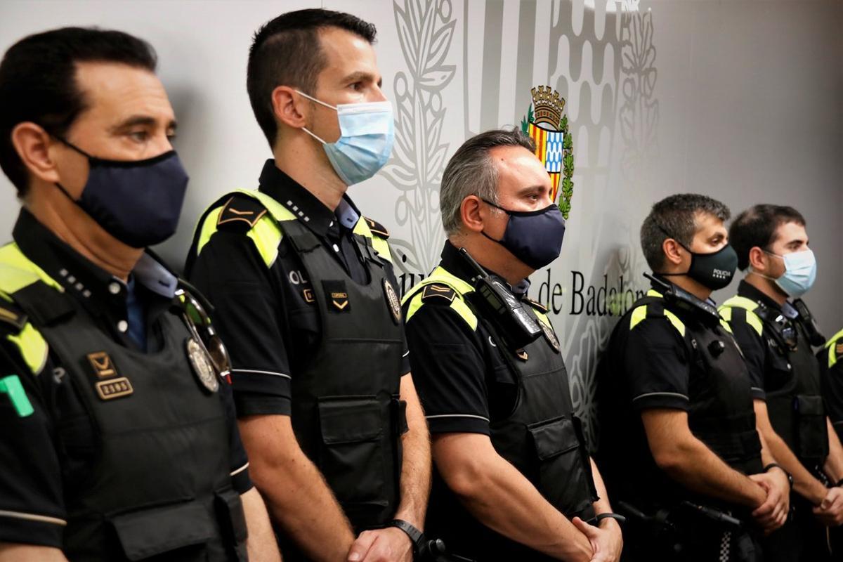 Agentes de la Guardia Urbana de Badalona, el 21 de septiembre de 2020.