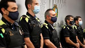L'oposició acusa Albiol de fer propaganda amb la policia de barri