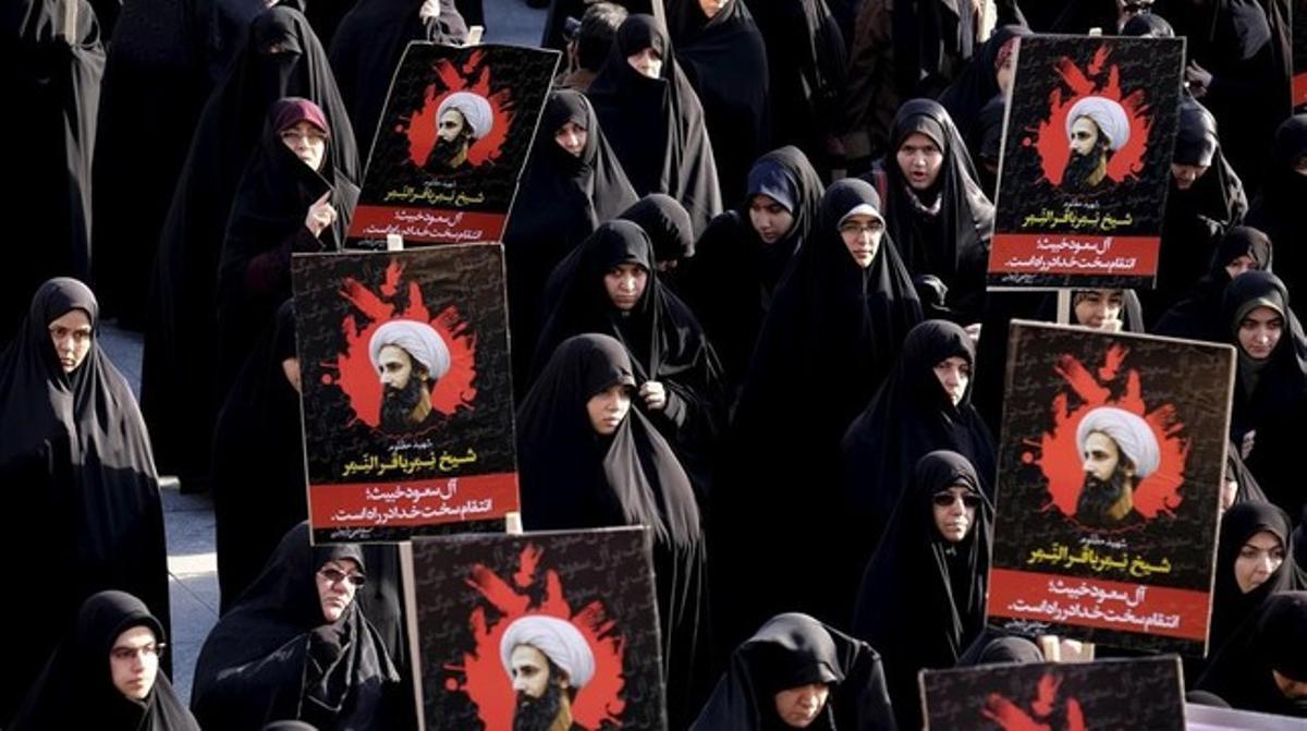 Protestas en Teherán contra la ejecución del clérigo chií Al Nimr.