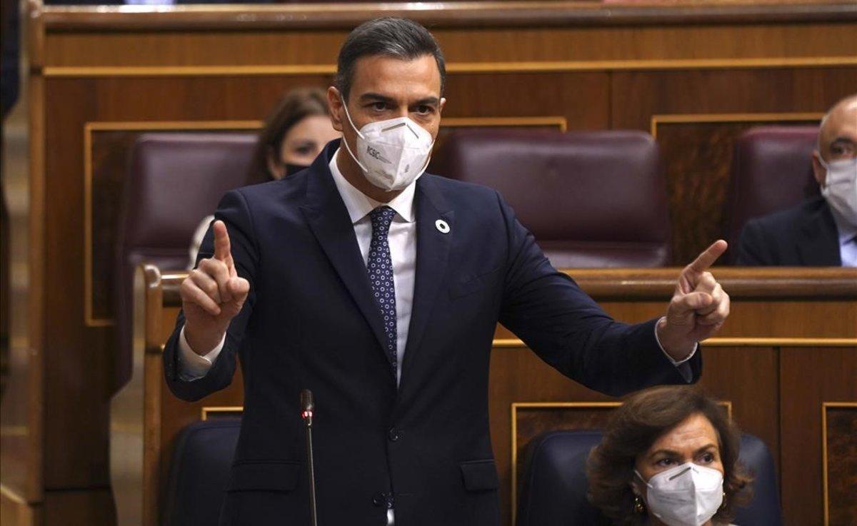 El presidente del Gobierno, Pedro Sánchez, responde a Pablo Casado este 18 de noviembre en el Congreso.