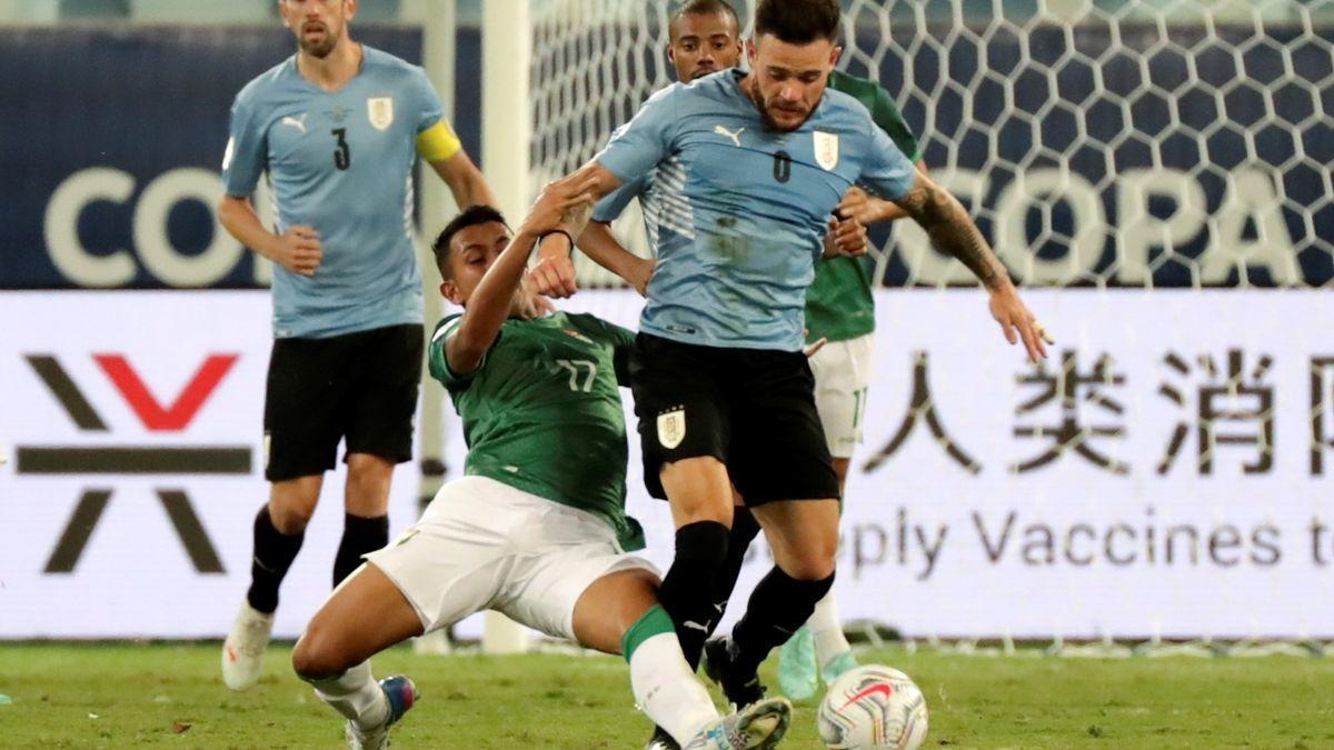 Un instante del Bolivia-Uruguay.