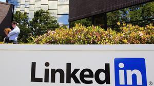 Imagen corporativa de la red profesional LinkedIn en su sede de California