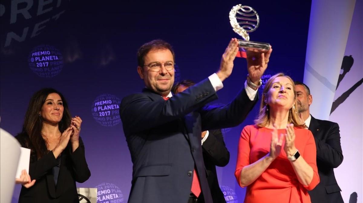 Javier Sierra gana el Premio Planeta.