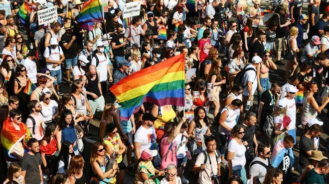 Miles de húngaros asisten a la marcha del Orgullo Gay en pleno pulso al Gobierno de Orban