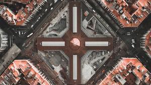 El mercado de Sant Antoni, a tres meses de su reapertura, una cruz para muchos vecinos.
