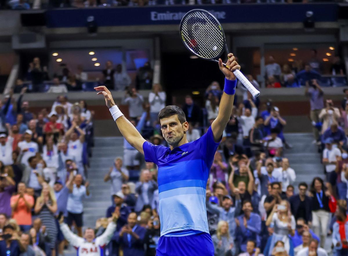 Djokovic celebra su victoria en las semifinales del Abierto de EEUU.