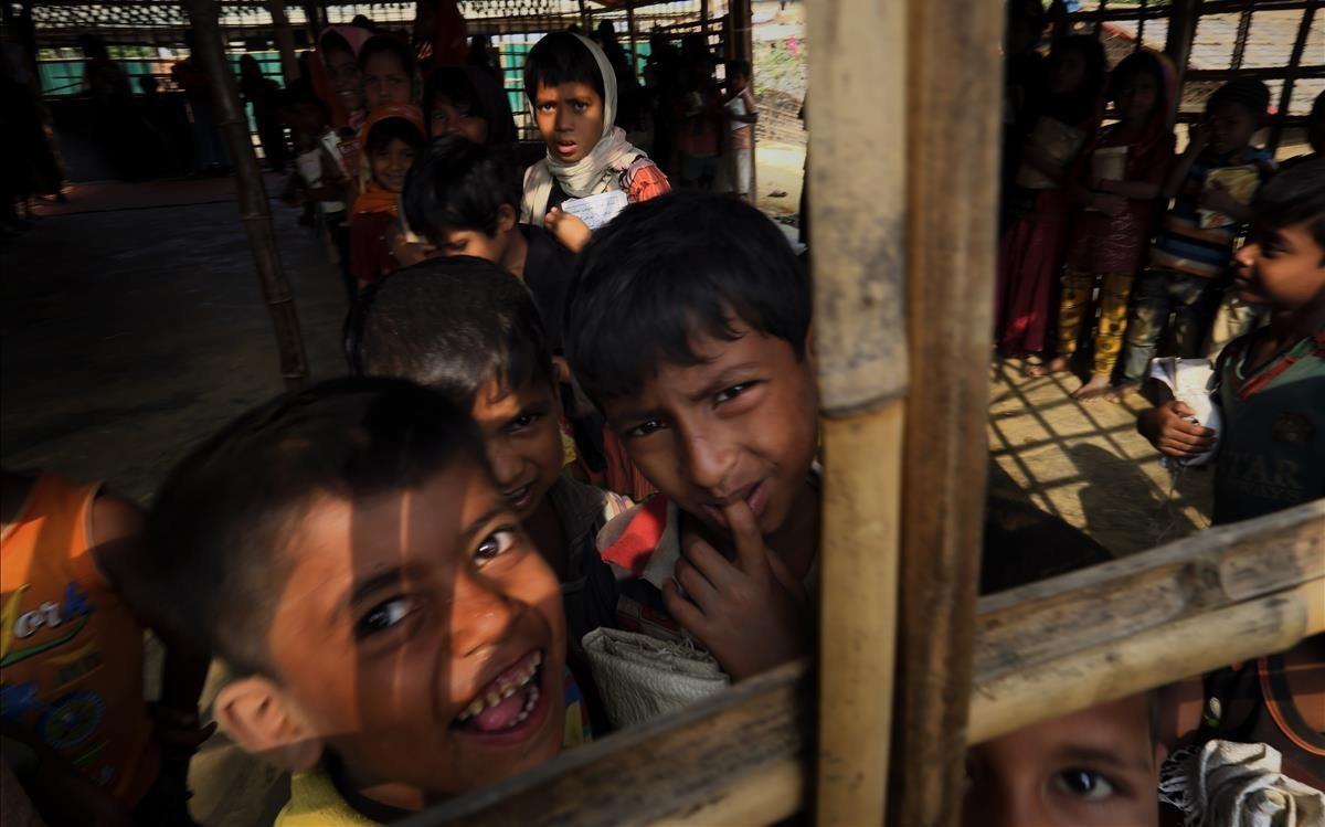 Niños rohinyás en Bangladés.