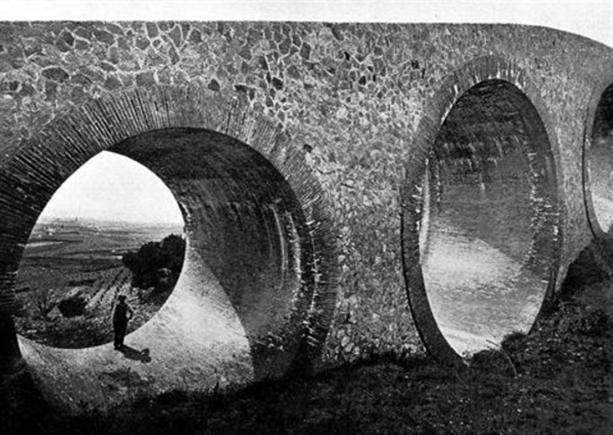 El Pont dels Tres Ulls 8 Una imagen histórica de la construcción de principios del siglo XX.