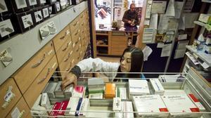 Medicamentos en una farmacia de Barcelona.