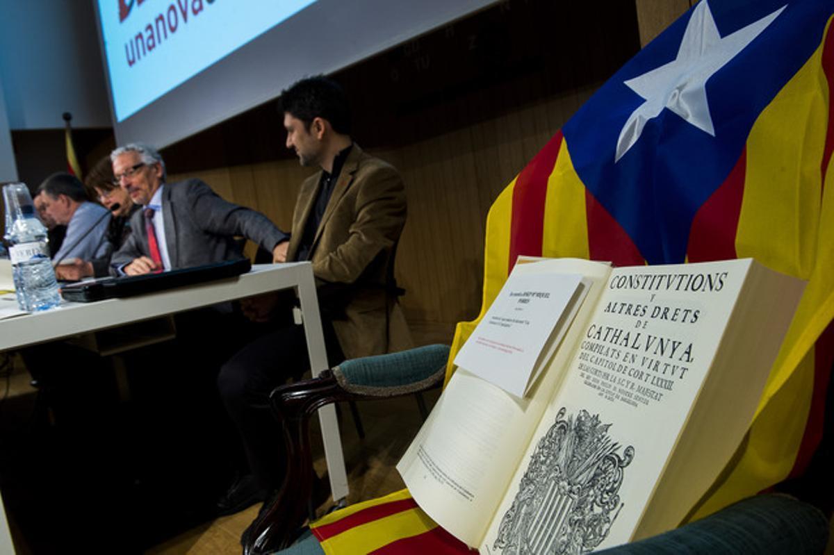 El juez Vidal ha presentado este sábado el esbozo de una constitución catalana.