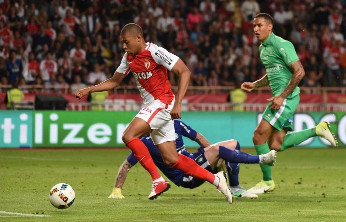 Mbappé, durante un partido con el Mónaco la pasada temporada.