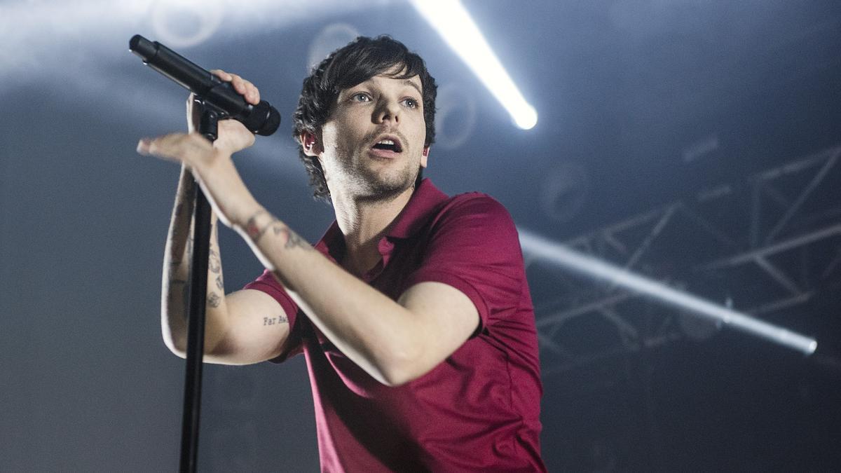 El cantante británico Louis Tomlinson, exmiembro de One Direction, en un concierto en la sala Razzmatazz de Barcelona, el 9 de marzo de 2020.